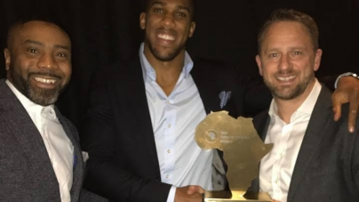 ANTHONY JOSHUA RECEIVES FUTURE AWARDS AS HE CELEBRATES HIS AFRICAN HERITAGE