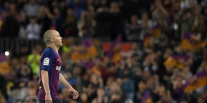 COUTINHO'S STUNNER ADDS CLASS TO INIESTA'S FAREWELL IN BARCA SHIRT