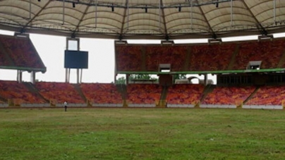 NIGERIA SPORTS MINISTER SUNDAY DARE RELOCATES OFFICE TO STADIUM