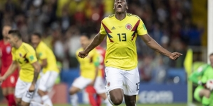 MANCHESTER UNITED PREPARES BID FOR COLOMBIA/BARCELONA'S MINA