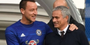 JOHN TERRY REVEALS JOSE MOURINHO'S ASTONISHING MANAGEMENT STYLE IN CHELSEA