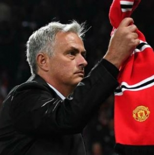 MAN U BOARD SENT A TEXT MESSAGE ASSURING ME OF MY JOB, SAYS MOURINHO