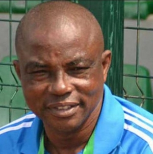 OSUN GOVERNOR, OYETOLA UNVEILS UNUANEL AS OSUN UNITED COACH