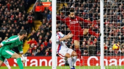 MO SALAH'S DOUBLE BREAKS PALACE'S WALLS