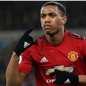 ANTHONY MARTIAL TO EXTEND STAY AT MANCHESTER UNITED