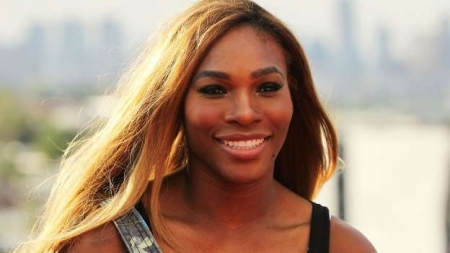 SERENA BACKS USA WOMEN'S SOCCER TEAM ON EQUAL PAY