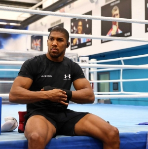 ANTHONY JOSHUA THROWS PUNCHES AT BOXING AUTHORITIES