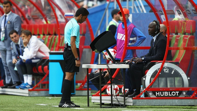 GERNOT ROHR LASHES OUT VAR DELAY AT AFCON 2019