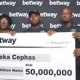 BETWAY GIVES MEGABUCKS TO NIGERIAN FAN OF MANCHESTER UNITED