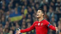 CRISTIANO RONALDO SCORES 700TH CAREER GOAL