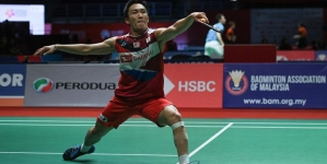 KENTO MOMOTA : FROM GAMBLING SCANDAL AND SUSPENSION TO WORLD NO. 1 BADMINTON PLAYER