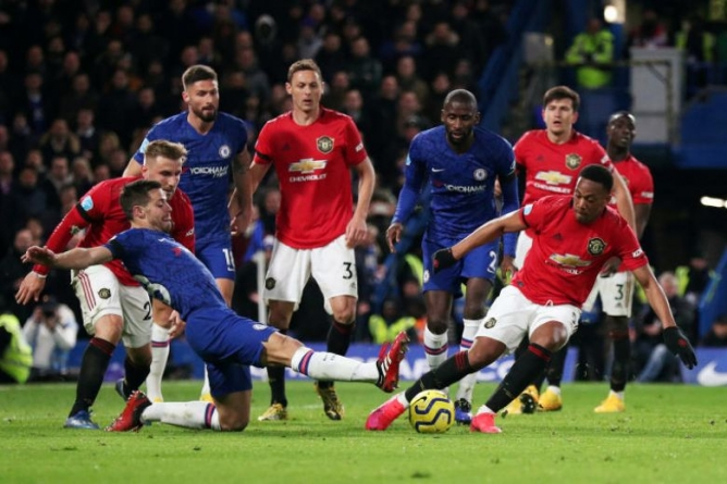 BIG THREE POINTS FOR MANCHESTER UNITED AFTER WIN AT CHELSEA