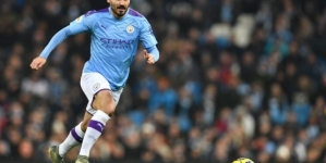 MAN CITY'S MIDFIELDER SAYS LIVERPOOL DESERVE TITLE IF SEASON CANCELLED