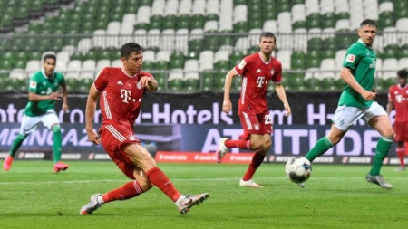 LEWANDOWSKI'S STRIKE GIVES BAYERN MUNICH EIGHTH STRAIGHT BUNDESLIGA TITLE