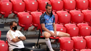 STANDOFF AS GARETH BALE REFUSES TO LEAVE MADRID DESPITE STRAINED RELATIONSHIP WITH ZIDANE