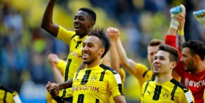 AUBAMEYANG TIES HIS STAY AT ARSENAL TO SIGNING OF DEMBELE