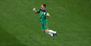 NIGERIA '99 GOALKEEPER; SPAIN AND REAL MADRID GREAT IKER CASILLAS, 39, RETIRES